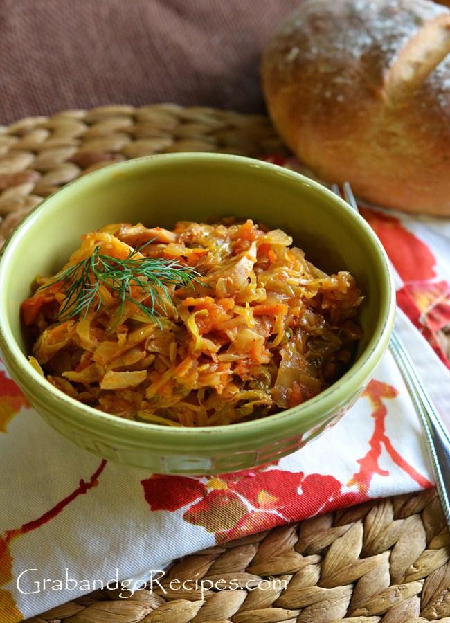 Braised Cabbage with chicken- Tushenaya Kapusta