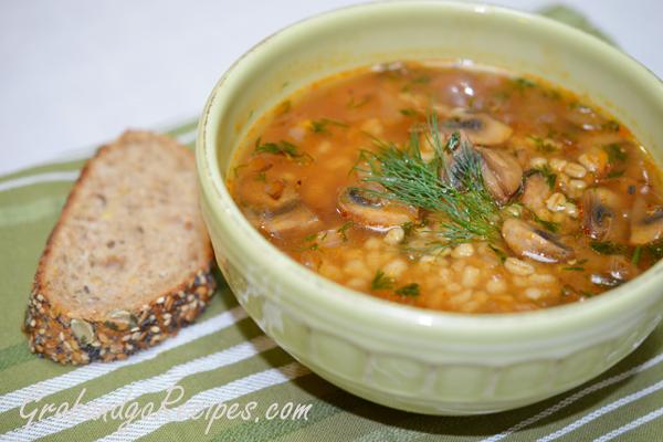 Hearty Slow Cooker Mushroom Barley Soup